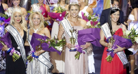 Mrs Australia World Karen Miles with Other Mrs Australia Contestant Winners | © Ms and Mrs Australia Quest